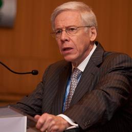 Charles Dallara (Bloomberg)