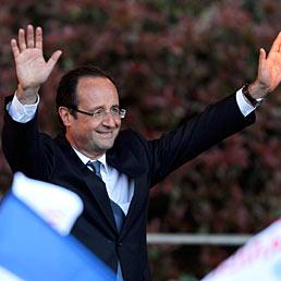 Nella foto il candidato socialista alle elezioni presidenziali francesi, Fran�ois Hollande (Reuters)