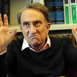 La Svizzera respinge il «tesoretto» di Emilio Fede: 2,5 milioni in contanti (Ansa)