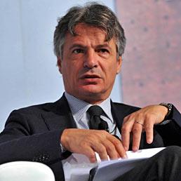 Mussari: incomprensibile la decisione di Moody's sulle banche italiane, marginale l'esposizione verso il debito greco. Nella foto il presidente dell'Abi Giuseppe Mussari (Imagoeconomica)