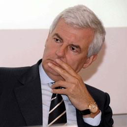 UniCredit: ex ad Alessandro Profumo rinviato a giudizio per frode fiscale