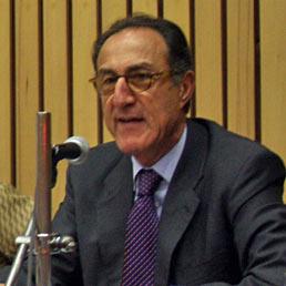 Nella foto l'ambasciatore italiano in India, Giacomo Sanfelice di Monteforte (Ansa)