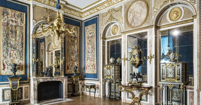 Le sale del Louvre al cui restauro ha contribuito Breguet