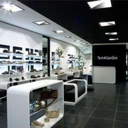 Per nero giardini cento negozi in cina moda 24 - Nero giardini monte san pietrangeli ...