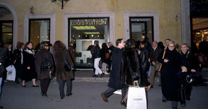 Nell 39 epicentro del lusso a roma negozi in affitto a 7mila for Affitto a ore roma