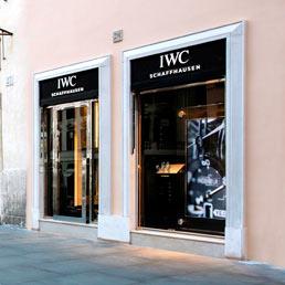 Iwc inaugura la sua prima boutique italiana a roma moda 24 for Industria italiana arredi