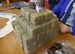 Polizia gli piazza gps sotto auto e trova 34 kg hashish