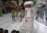 La primavera di Chanel sboccia tra fiori di origami