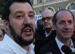 """Salvini glissa su Tosi e scherza: """"Lunedì espelleremo Zaia"""""""