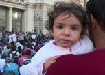 Immigrati, centinaia accampati davanti alla stazione di Budapest