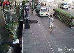 Strappa un Hublot da 35mila euro a un turista, lo scippo in video
